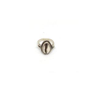 Zilveren Ring Kauri Schelp maat 17